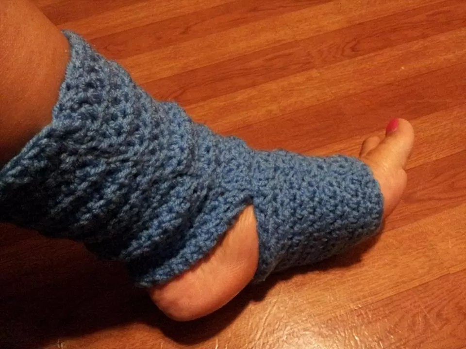 32 Free Patterns to Make Crochet Leg Warmers  Guide Patterns