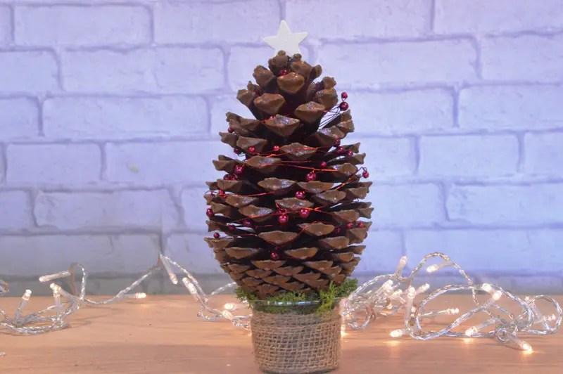 17 DIYs to Make a Pine Cone Christmas Tree  Guide Patterns