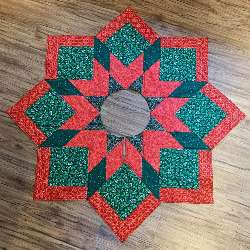 Quilt Pattern Christmas Tree Skirt