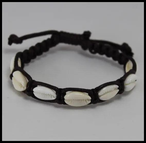 15 DIYs To Make Stylish Seashell Bracelets Guide Patterns