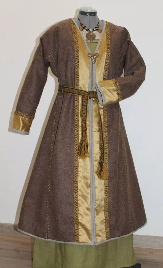 38 Stylish DIYs to Make KaftanCaftan Dresses  Guide