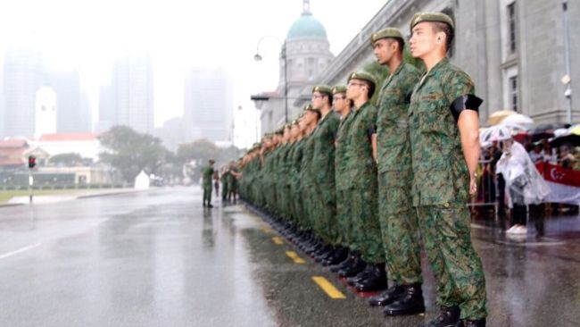 soldiers-in-the-rain-lky