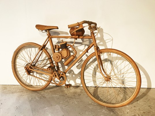 Bicicletta a motore, 2011 (Bicycle, motor assist)