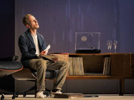 Laurence Fox (as Henry). Dress Rehearsal of The Real Thing by Tom Stoppard (a co-production by Cambridge Arts Theatre with Theatre Royal Bath and Rose Theatre, Kingston). Cambridge Arts Theatre. Cambridge, Cambridgeshire, UK. September 06, 2017. Photo: Edmond Terakopian