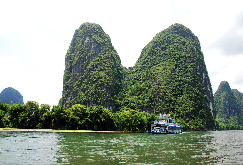 Li River cruise from Guilin to Yangshuo,China