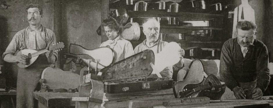 Photo d'époque des ateliers Laberte-Humbert à Mirecourt.