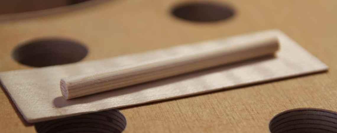 L'âme du violon est un simple cylindre en épicéa qui a pourtant une grande importance.