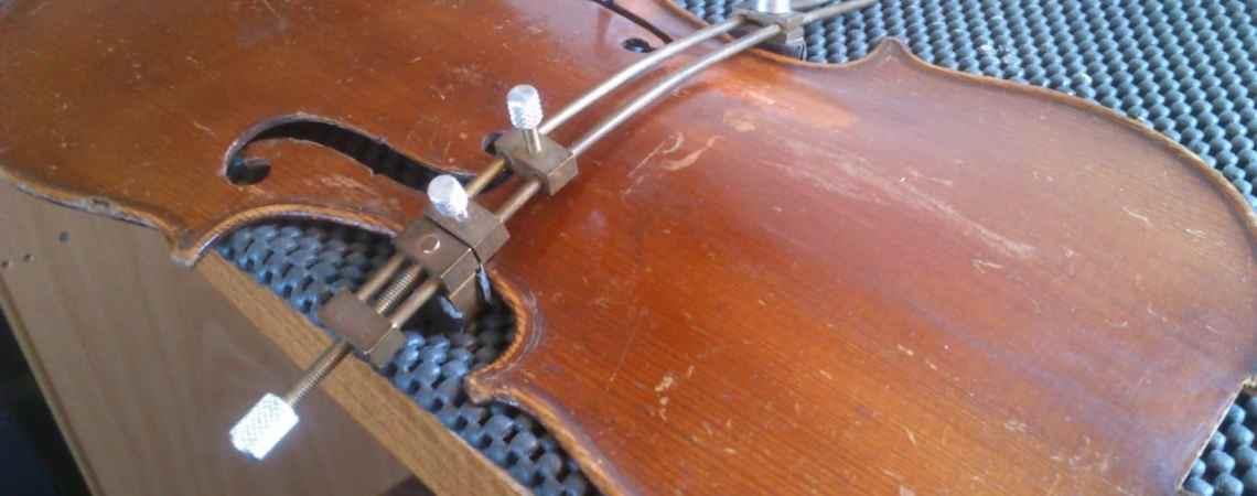 Les fractures sont parfois causées par un une hygrométrie du violon trop basse.