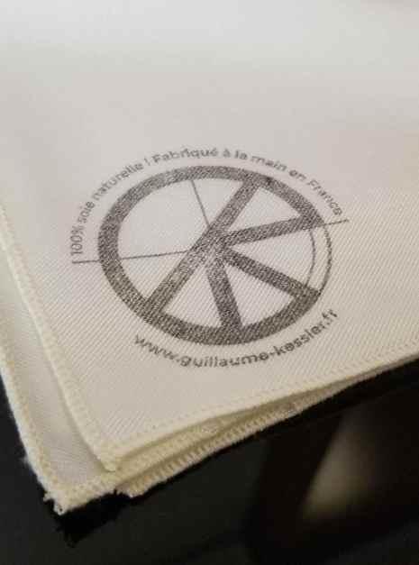 Mouchoir en soie naturelle