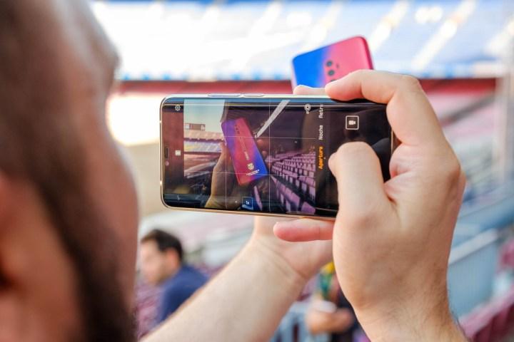 Evento de la renovación de acuerdo entre Oppo y el Futbol Club Barcelona