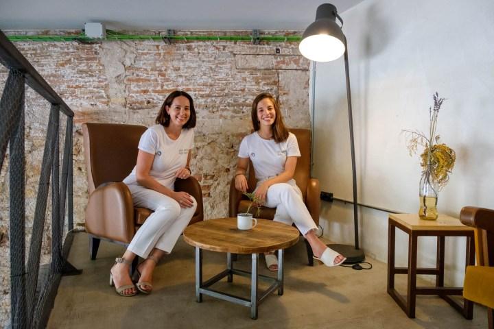 Sesión de retratos a Sarah Friar (CEO de Nextdoor) y Joana Caminal (responsable de Nextdoor en España)
