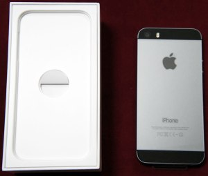 iPhone 5s 箱と裏面