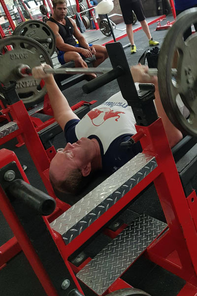 Heaviest weight lifted in two minutes bench press 2