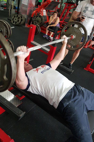 Heaviest weight lifted in two minutes bench press
