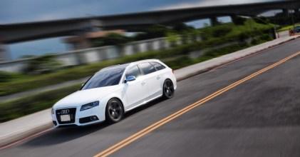 –轎旅經典– Audi A4 Avant 白 開箱拍攝