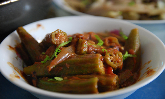 Okra with Tomatoes (Bhinda-Tameta nu Shaak)