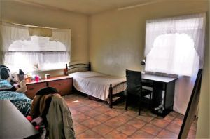 Chambre sans décoration
