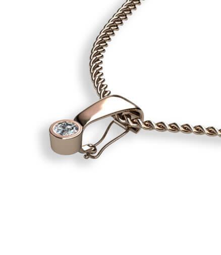 hänga guldring på halskedja