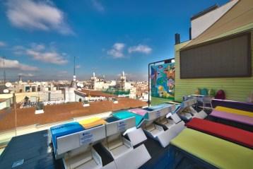 El Hotel Indigo Madrid Gran Vía y su terraza situada en la planta 12