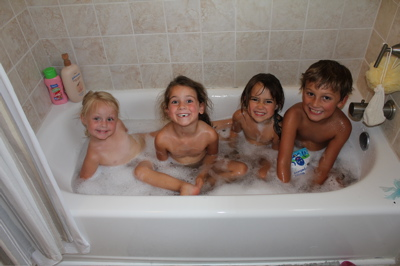 Tub 'O Kids