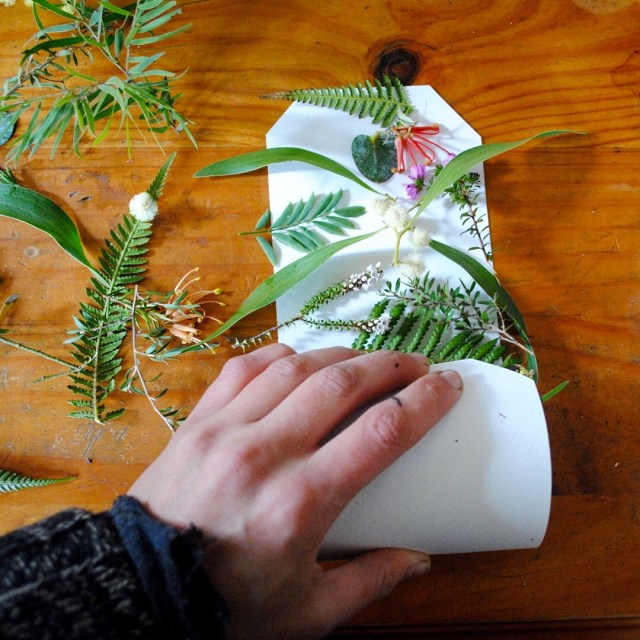 Ecoprinting on paper tutorial for beginners