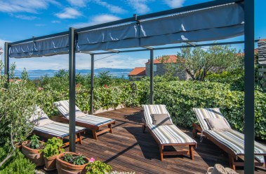 Villa Maruka - sundeck with removable shade and sea view