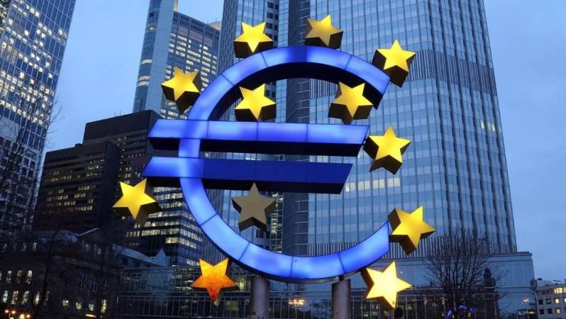 Tüketici Güveni Euro Bölgesi'nde Düştü
