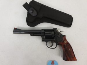 On Consignment: Smith & Wesson 19-5 .357Mag w/ Holster $650