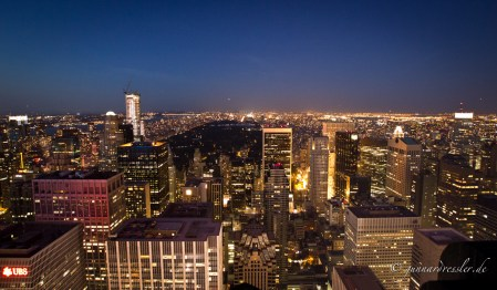Nighttime view from Rockefeller Center to Central Park