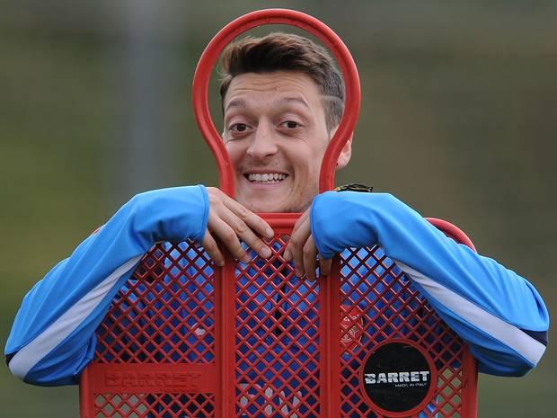 Mesut Ozil 17