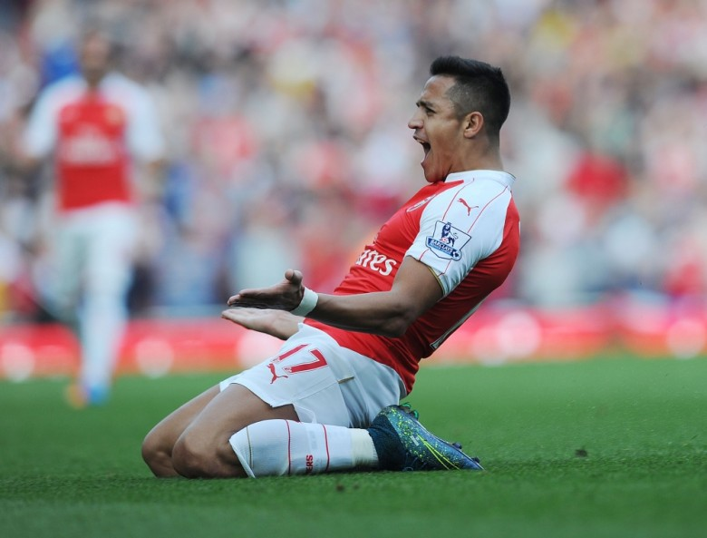 Sanchez celebrates his brace vs United