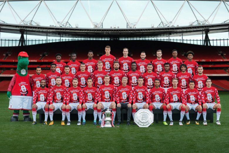 Arsenal Christmas Jumper team photo. (Credit: Arsenal Media)