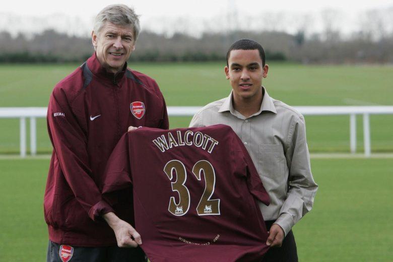Theo Walcott Signs