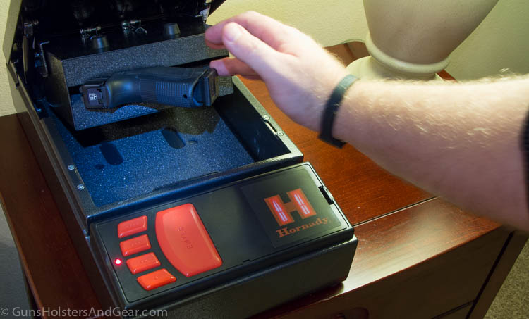 Accessing a Gun in the Hornady Rapid Safe