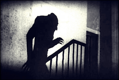 Nosferatu_shadow_on_stairs
