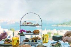 Divan Brasserie Beyoğlu'nda canlı caz dinletisi
