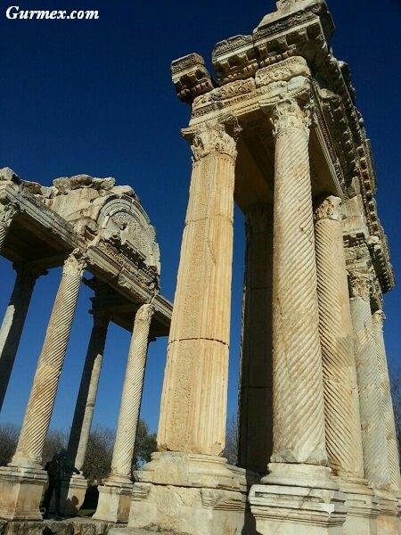 Aphrodisias-afrodisias-aydin-nerede-nasil-gidilir-giris-ziyaret-saatleri-ucretleri-ne-yapilir-gezi-seyahat-rehberi