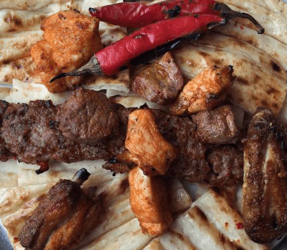 Bol Kepçe Kebap Restoran: Adana'da Ucuz ve Lezzetli Kebap Nerede Yenir?