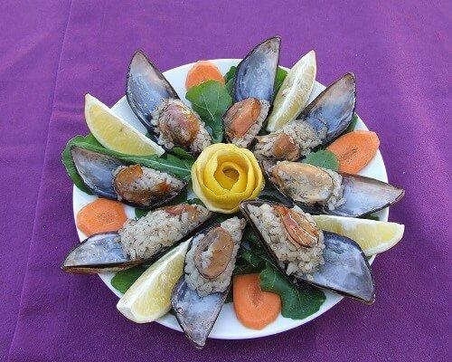 Çanakkalede ne yenir, Çanakkalenin meşhur ünlü en iyi yemekleri, midye dolma Çanakkale mutfağı