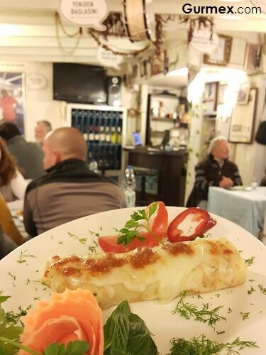 Bozcaada'da Ahtapot ızgara yemek,deniz mahsüllü krep Boruzan Restaurant