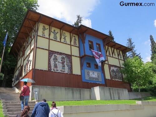 Bursa Merkez Gezilecek Yerler Karagöz Hacivat müzesi