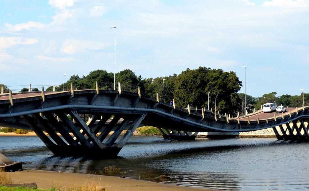 Getting around Uruguay by public transport