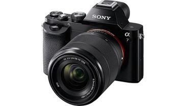¡Sony Alpha 7K + Objetivo 28-70 mm por 999 €!