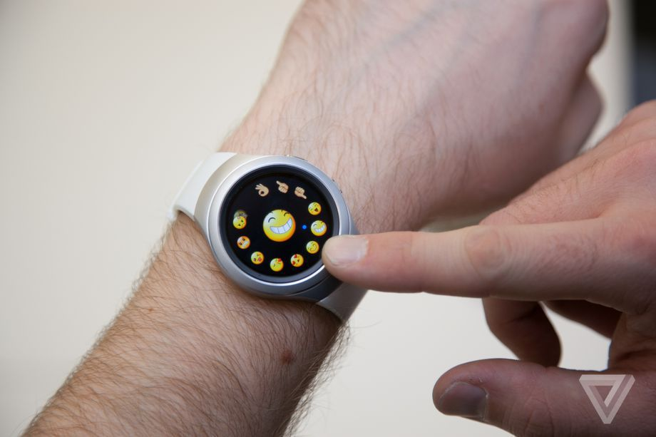 Samsung-Gear-S2-smart_watch-review-verge14.0.0
