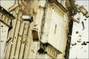El templo comienza de derrumbarse. Terremoto en Sichuan, China