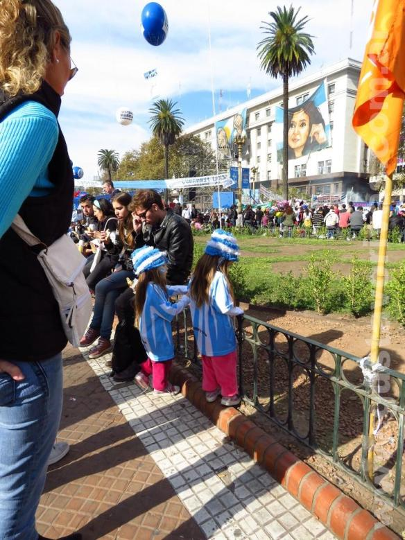 Familia en La Plaza de Mayo