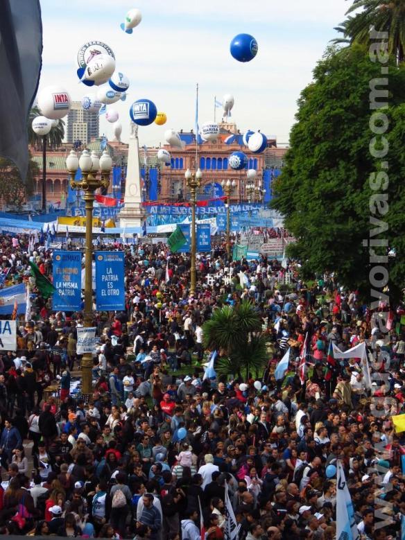 Todavia no habia mucha gente en la Plaza de Mayo
