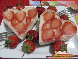 cheesecake alle fragole e limoncello, gusto fresco e delicato