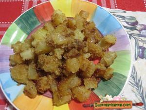 Patate sabbiose e sfrizzoli di maiale, buonissime e facili da preparare!