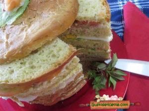 Panettone salato al basilico